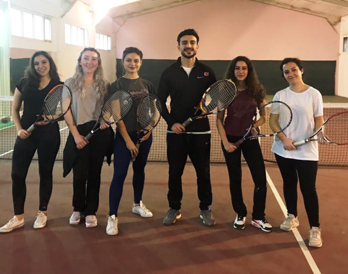 bornova tenis kursu